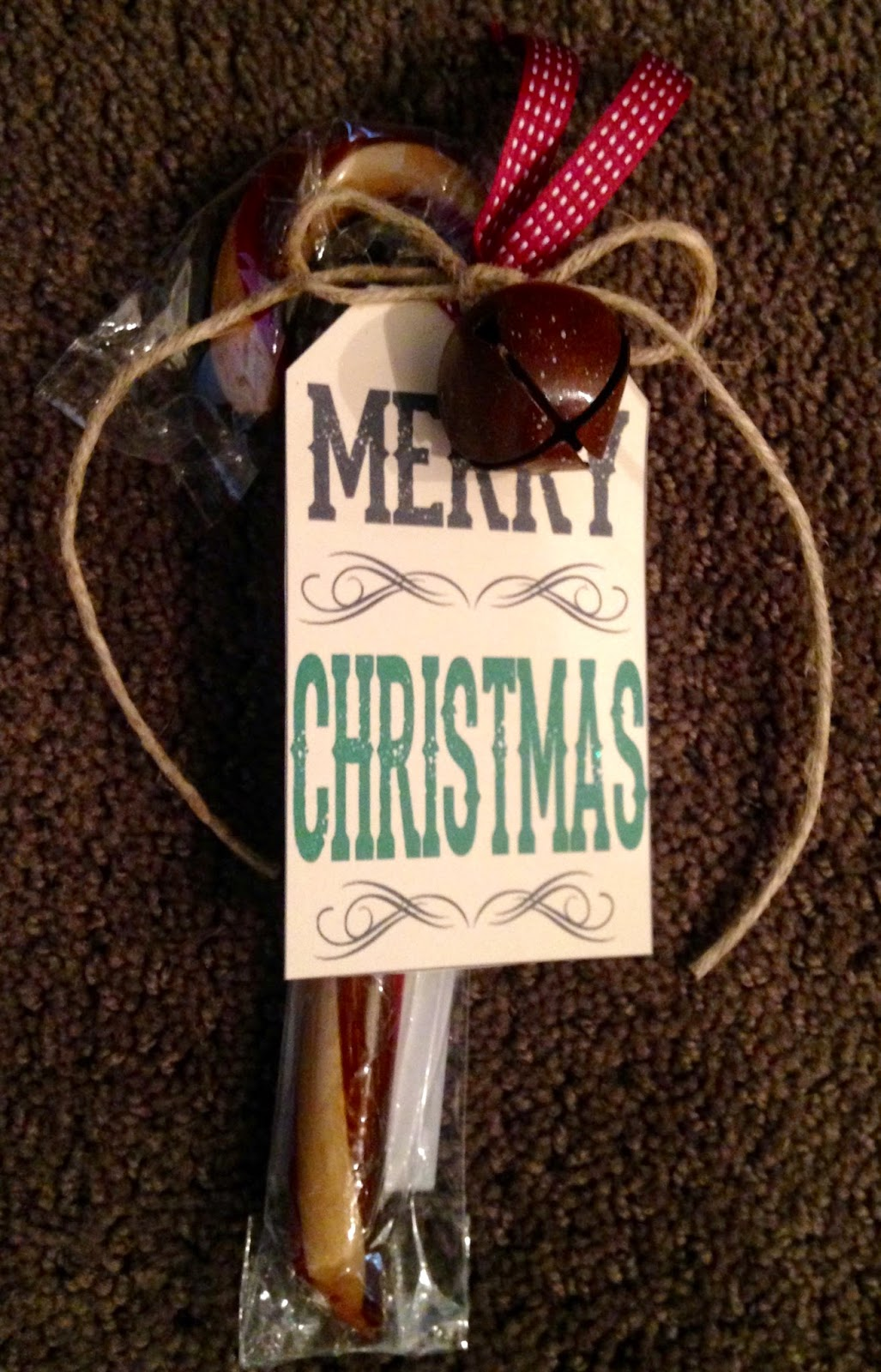 Snippets 'N Stuff: Embellished Old Fashioned Candy Cane Gift Idea