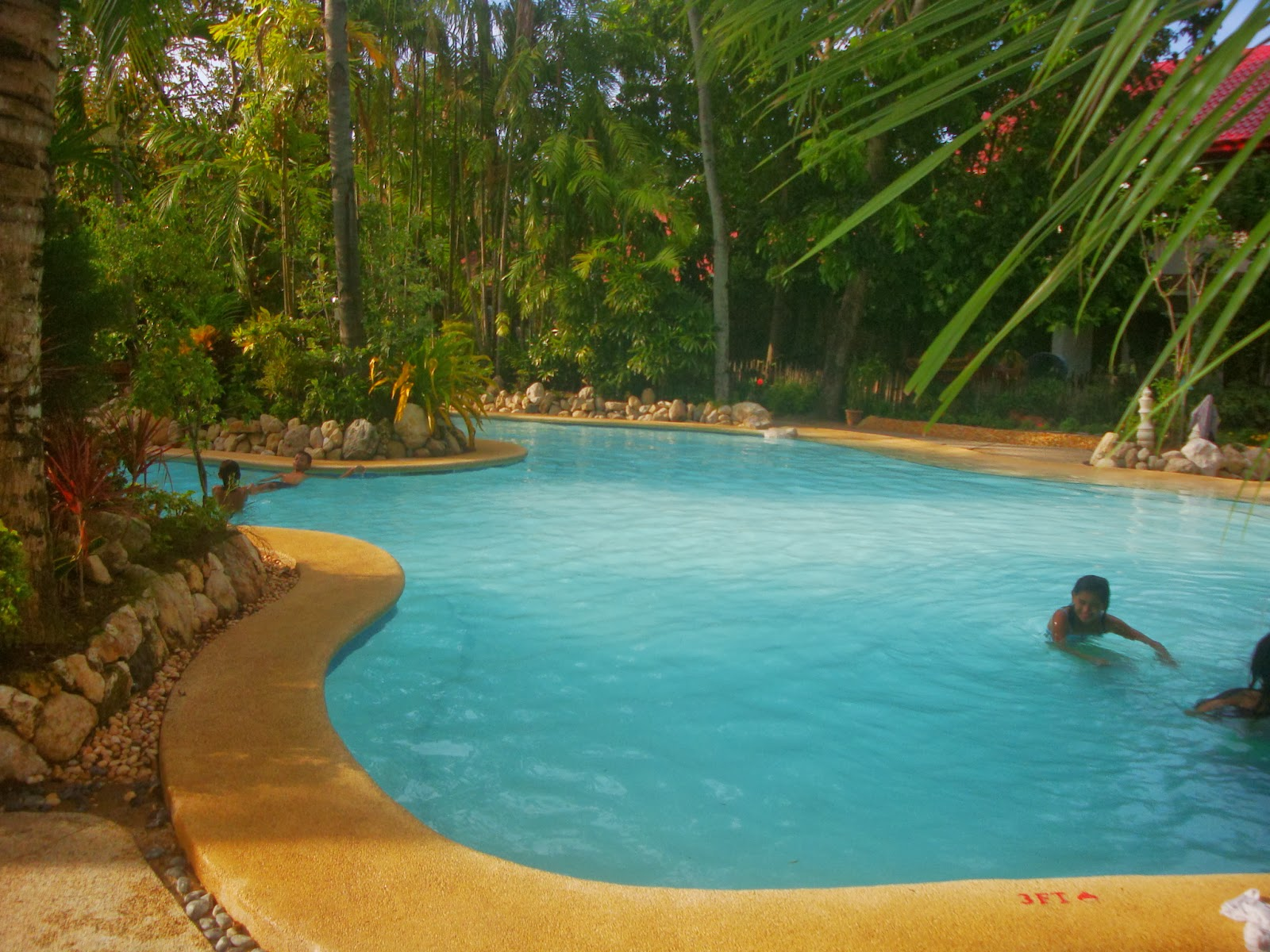 El Salvador Beach Resort swimming pool