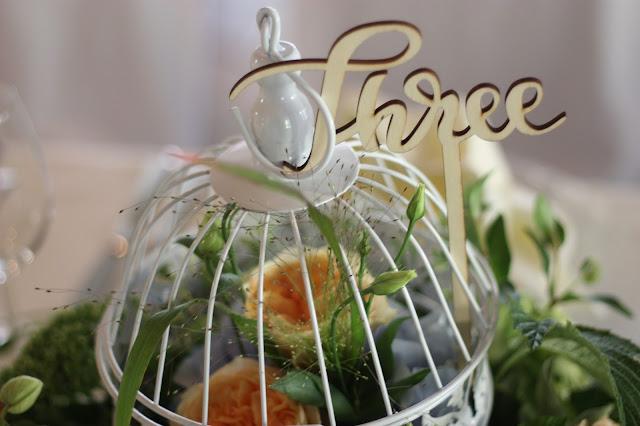 Bird cage center pieces flowers Birdcage vintage wedding - Irish wedding in Bavaria, Riessersee Hotel Garmisch-Partenkirchen, wedding venue abroad