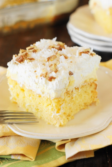 Top 16 Best Recipes of 2016 on The Kitchen is My Playground ~ Hawaiian Dream Cake