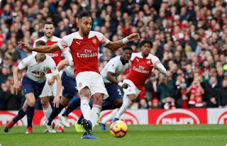 Arsenal vs Tottenham Hotspur 4-2 Video Gol & Highlights