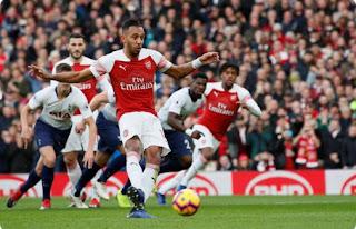 Arsenal vs Tottenham Hotspur 4-2 Video Gol & Highlights