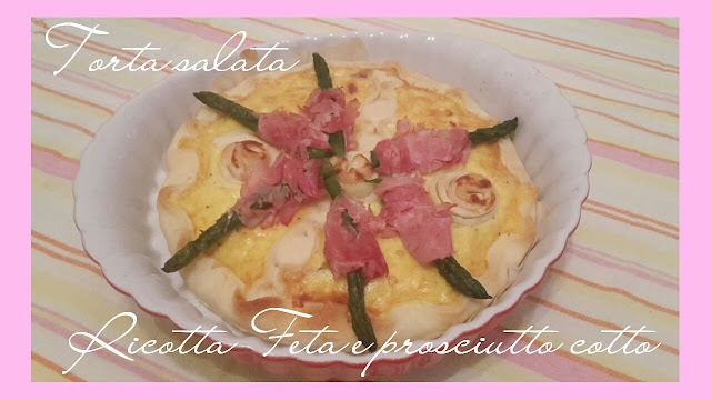 torta salata con feta ricotta asparagi e prosciutto cotto