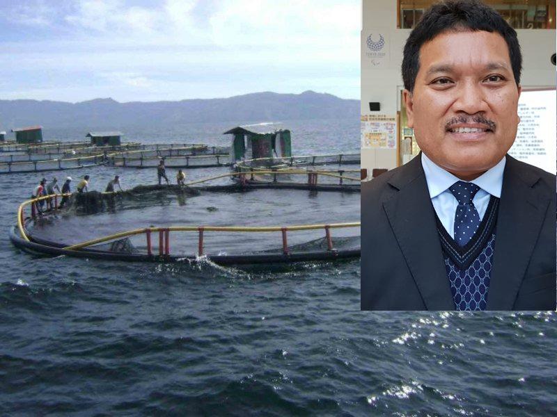 Keramba Jaring Apung Aquafarm Nusantara di Danau Toba. Inzet: Drs Maruap Siahaan, MBA