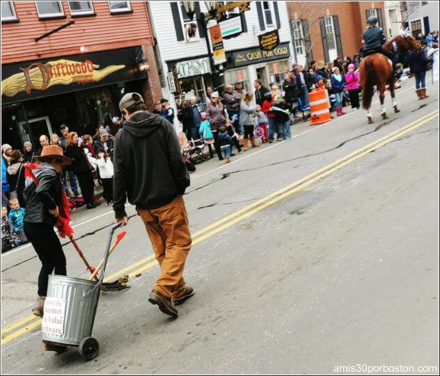 Limpiadores en el Desfile de Acción de Gracias en Plymouth