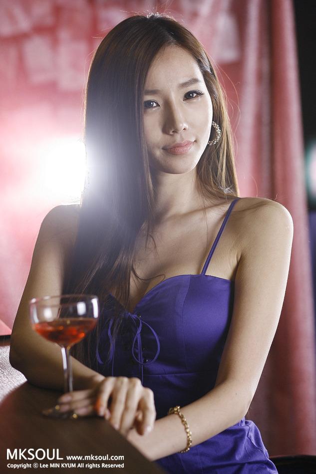 xxx nude girls: Lee Ji Min in Blue