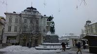 Mirando a Prešernov Spomenik