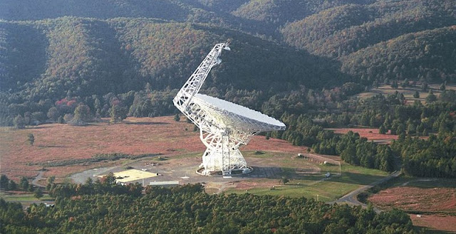 The Green Bank Telescope in West Virginia is one of telescopes that will be used by the Breakthrough Listen project. Credit: NRAO/AUI