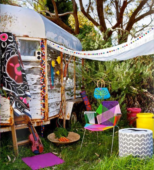 what my hands made blog diy couture et upcycling une caravane dans mon jardin. Black Bedroom Furniture Sets. Home Design Ideas