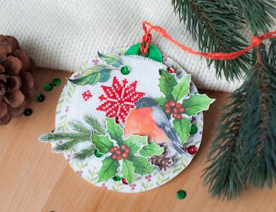 подвеска новогодняя, игрушка на елку с вышивкой, вышивка и скрап, украшение на елку своими руками