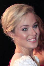Jessica Marais Height - How Tall