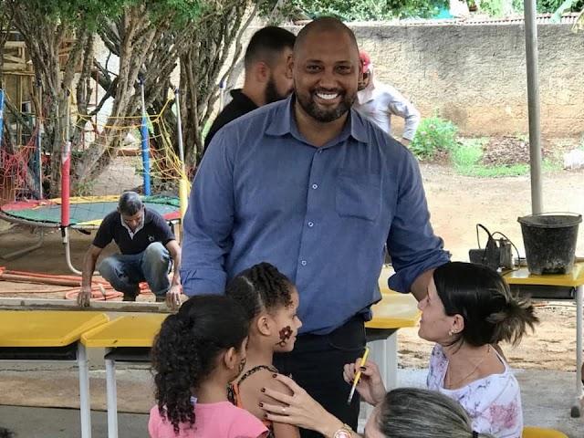 Senador Canedo: Presidente da Câmara realiza ações para o Dia das Crianças