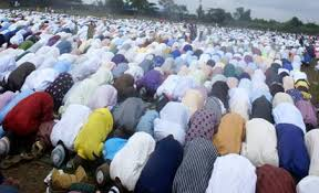 muslims-in-praying-ground
