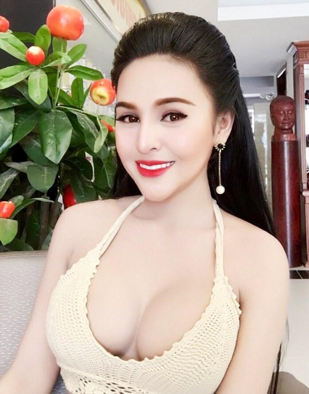 Rouge chaud maman porno