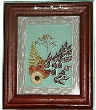 quadro com flores seca