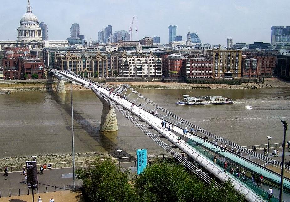 Millennium Bridge em Londres