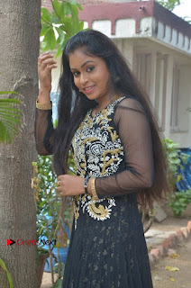 Tamil Actress Shreya Sri Stills in Black Akarkali Dress at Vanga Vanga Team Interview  0015.jpg
