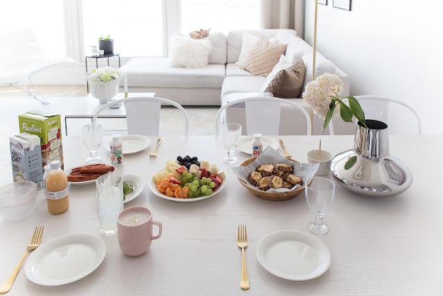 Villa H, brunssi, ruokailutila, aamupala, arabia lumi astiat