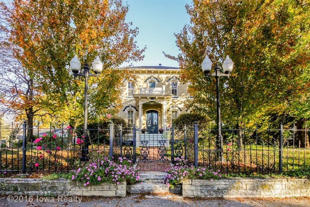 Sweet House Dreams 1875 Italianate In Indianola Iowa