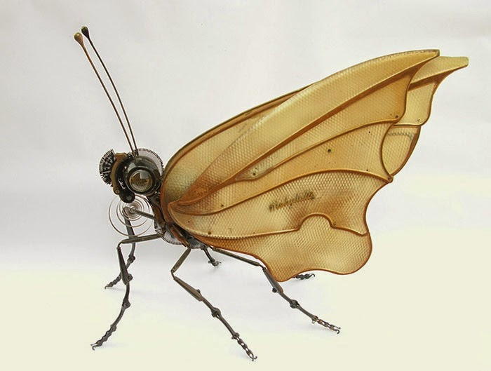 01-Butterfly-Edouard-Martinet-Recycled-Sculpture-Wildlife-www-designstack-co
