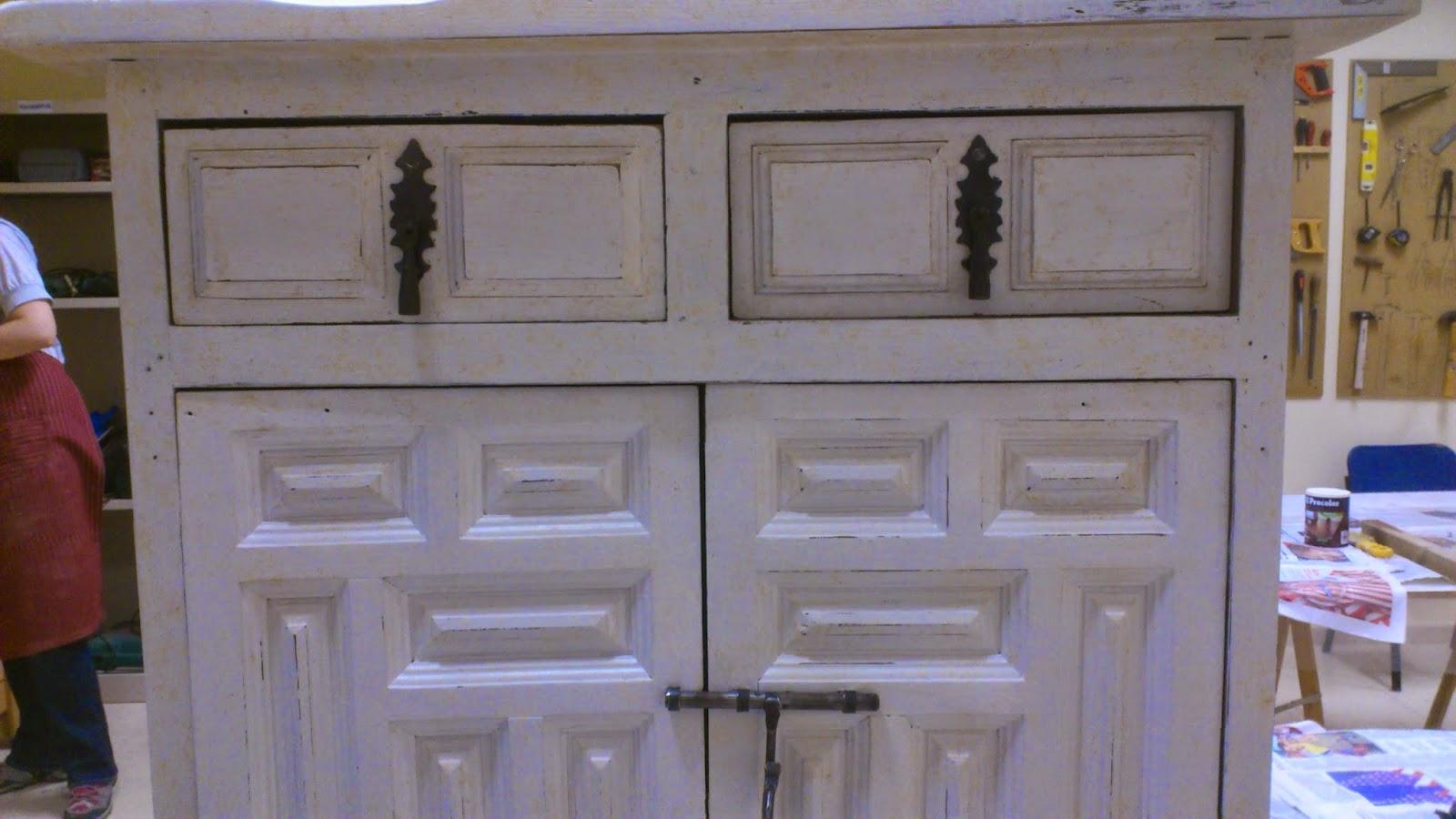 Madera de mindi transformando un moderno mueble de estilo - Restaurar armario ...