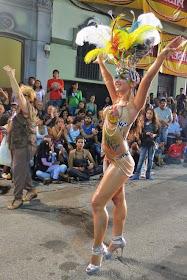 Samba sans silicone: Rio Carnival school goes natural