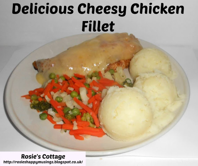 Delicious cheesy chicken fillet with mash & vegetables