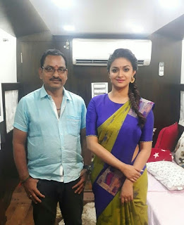 Keerthy Suresh in Yellow Saree with Cute and Awesome Lovely Smile with a Lucky Fan