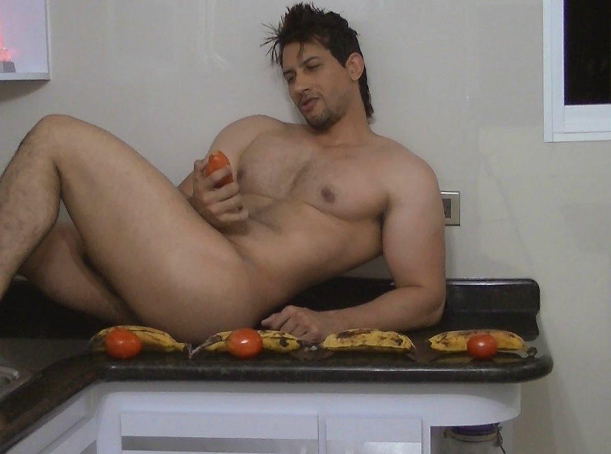 Eyker ocallaghan desnudo