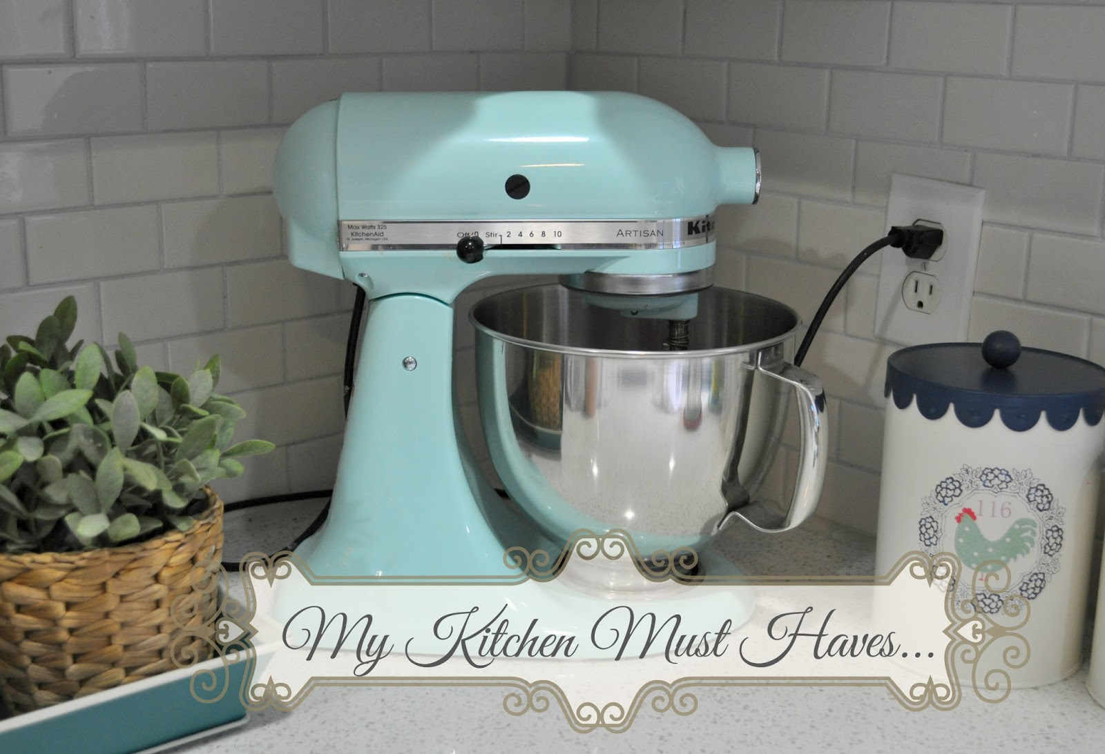 Suburbs Mama: My kitchen must haves..