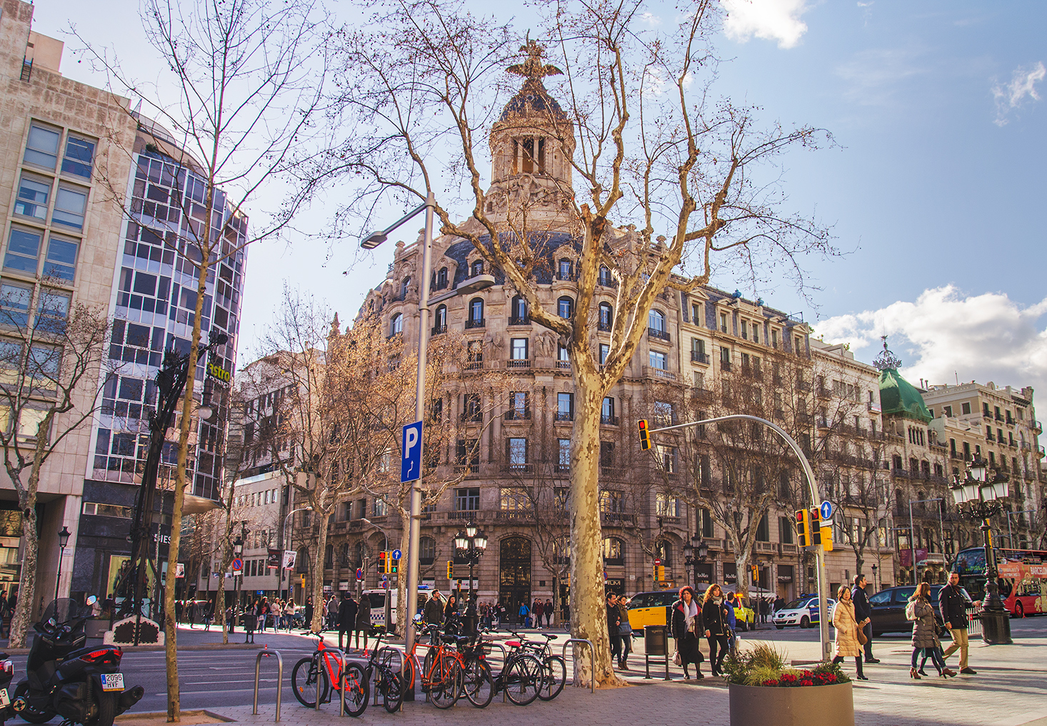 путешествие барселону отзывы, самостоятельное путешествие барселону отзывы, отпуск в барселоне, архитектура гауди барселоне испания, барселона стиль архитектуры