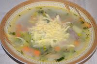 Овощной суп с сыром и луком-пореем
