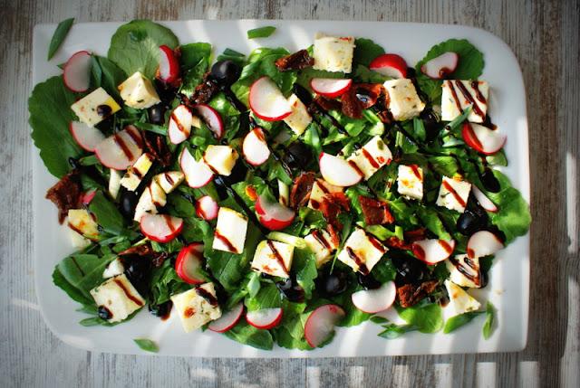 Olitalia,Ponti,glassa gastronomica,ser koryciński,oliwki,rzodkiewka,liście rzodkiewki,szara reneta,suszone pomidory,szczypiorek,