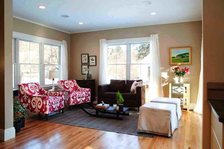 Desain Ruang Keluarga Warna Coklat  Wallpaper Dinding