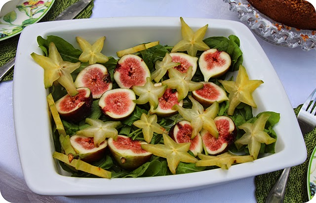Salada de Rúcula, Carambola e Figo