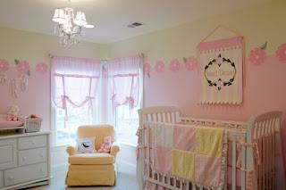 habitación bebé rosa amarillo