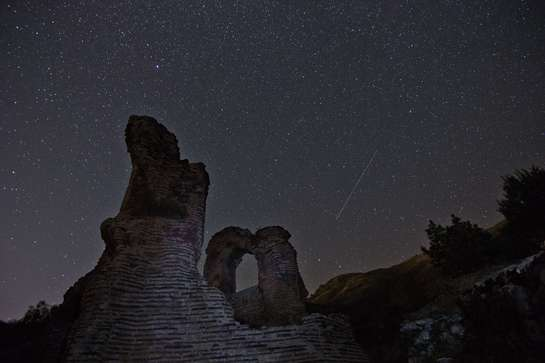Chuva de meteoros vai iluminar o céu do Ceará nos dias 22 e 23 de abril