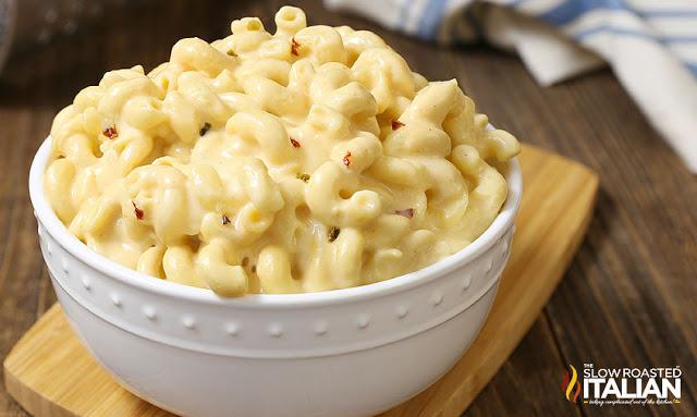 http://www.theslowroasteditalian.com/2017/10/slow-cooker-triple-cheesy-mac-cheese-recipe.html