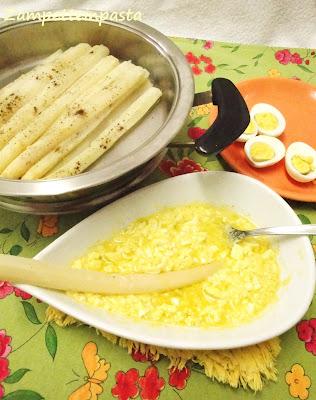 Asparagi bianchi di Cimadolmo Igp con le uova