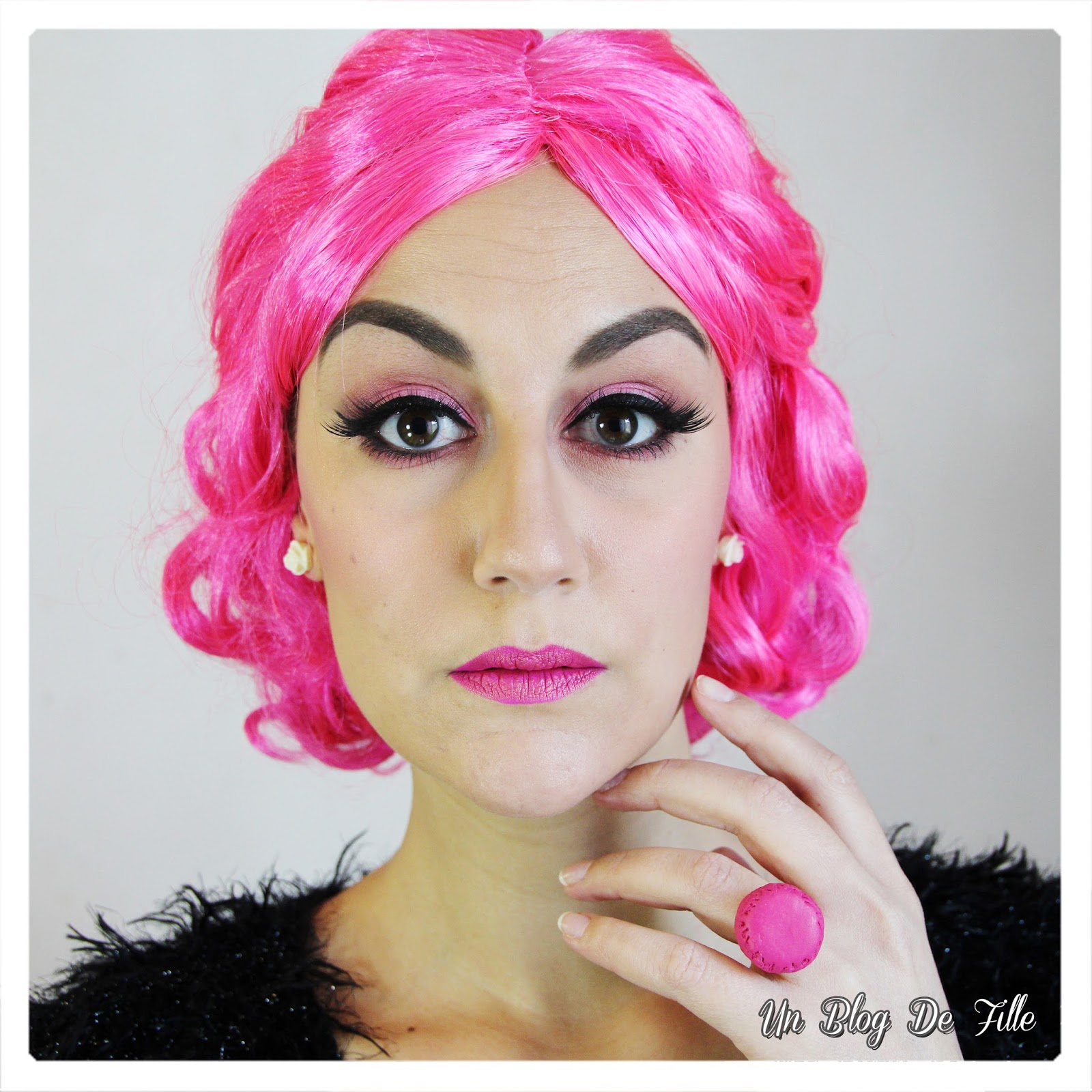 http://unblogdefille.blogspot.fr/2018/02/maquillage-carnaval-en-rose-neon-et.html