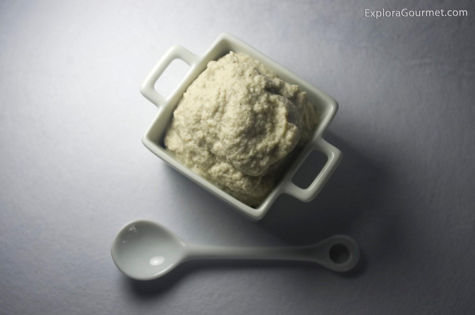 Pasta de berenjena asada y tahini