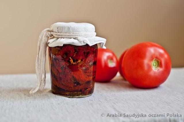 Suszone-pomidory-z-nuta-pomaranczy-i-rozmarynem