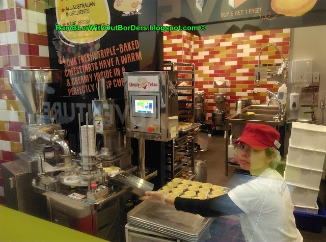 Making cheesetarts, Uncle Tetsu's Cheesecake, Sydney, Australia
