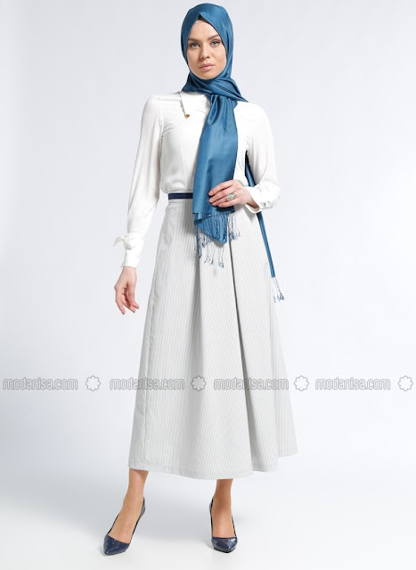 femme-en-hijab-portant-une-robe-moderne-kayra-2018
