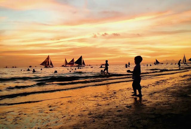 boracay has amazing sunsets
