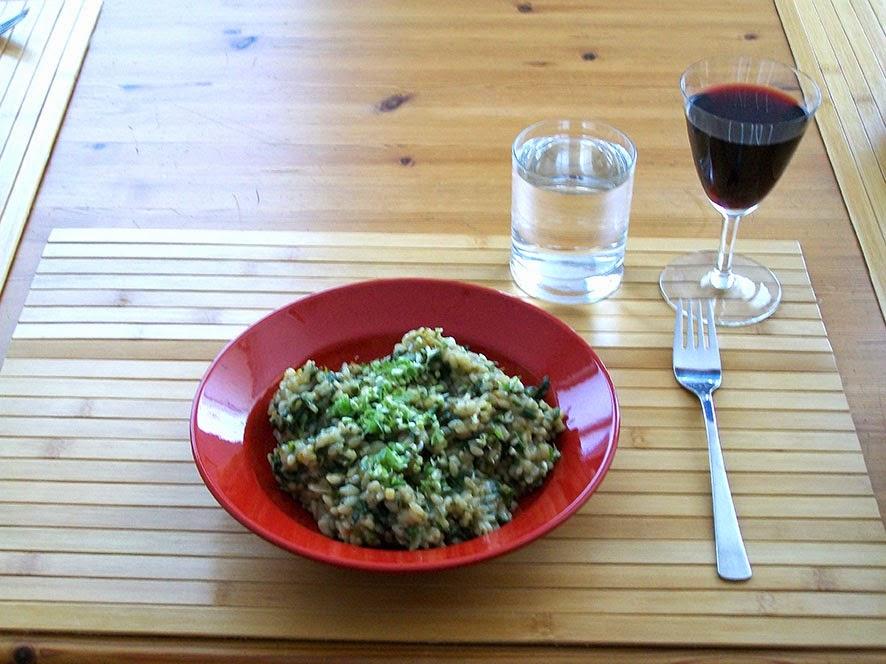 veganes brenessel-risotto - hauptspeise