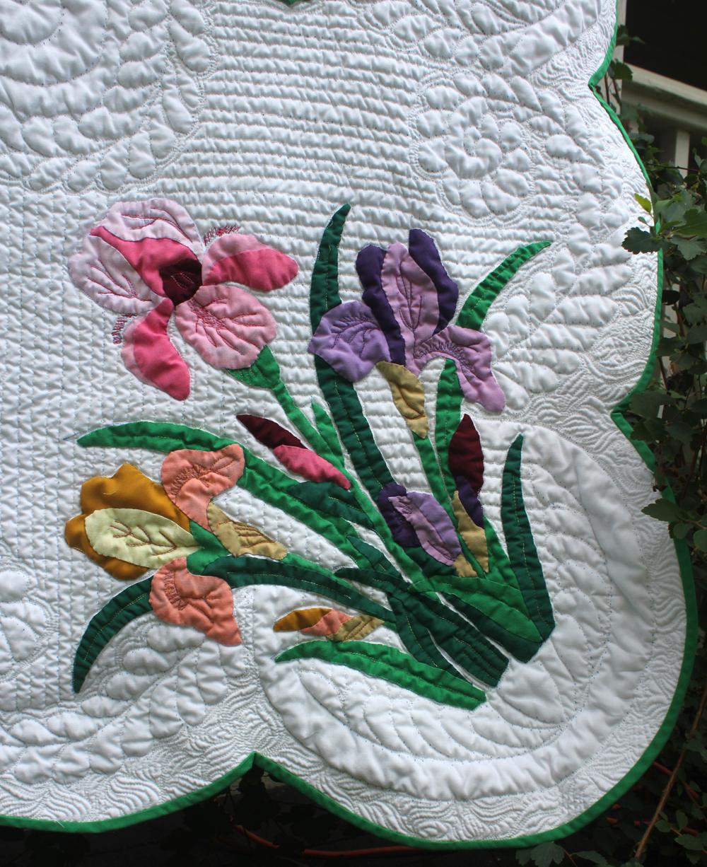 Stitchnquilt Iris Applique Quilt
