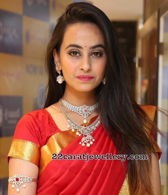 Model Ameeksha Pawar in Diamond Sets