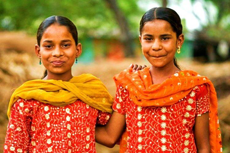 Sadece 2.000 ailenin yaşadığı Kodinhi köyünde 450 çiftten fazla ikizin olduğu tahmin edilmektedir.