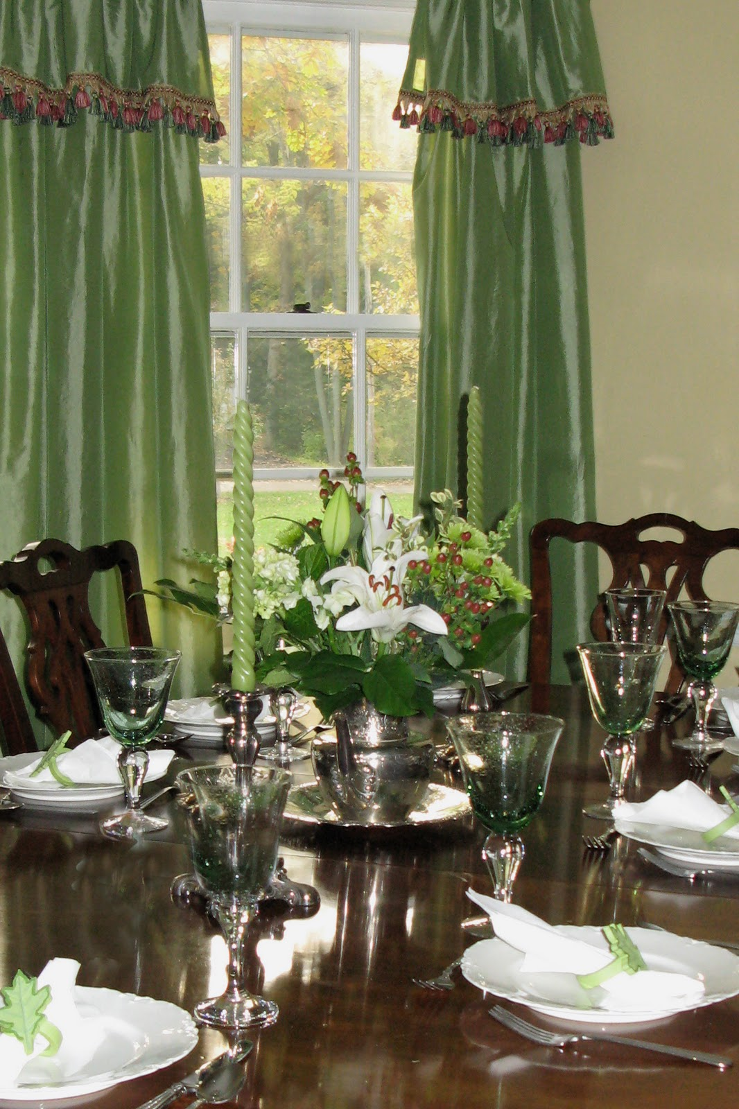 Green Dining Room: Just*Grand: Dining Room *Grand* Mash-up